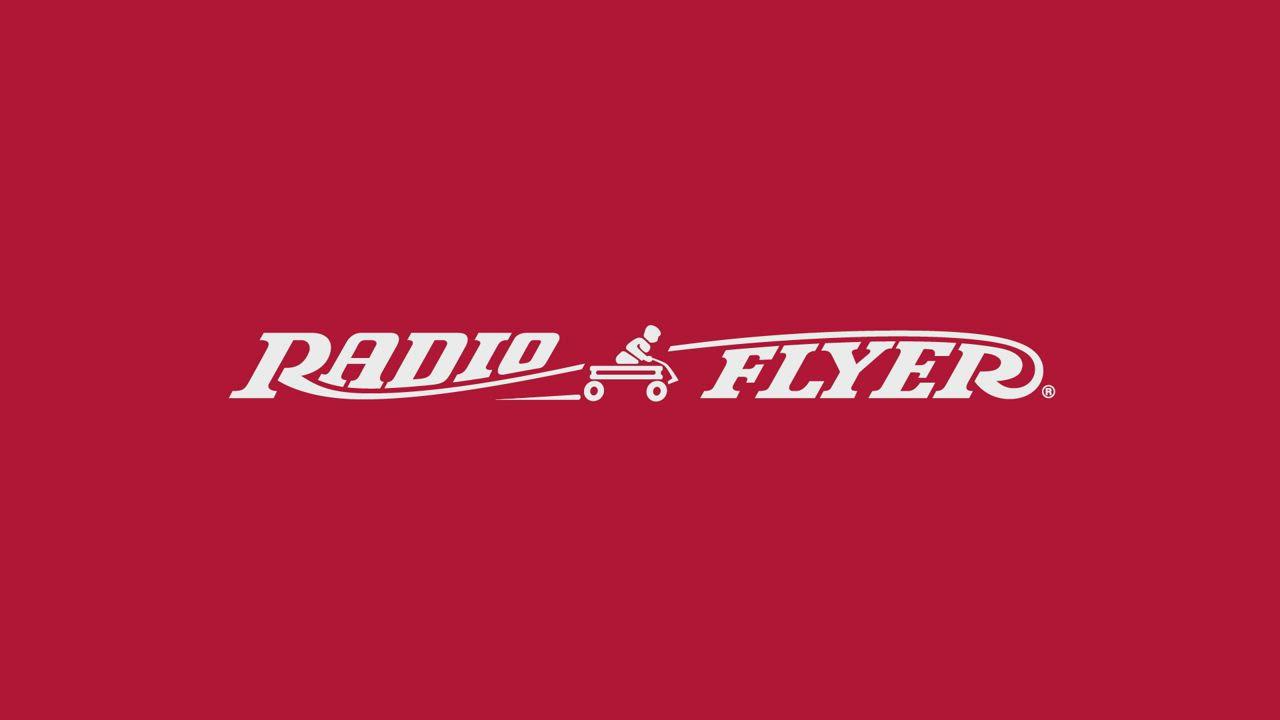 RadioFlyer 理想號復古滑步跑車 product video thumbnail