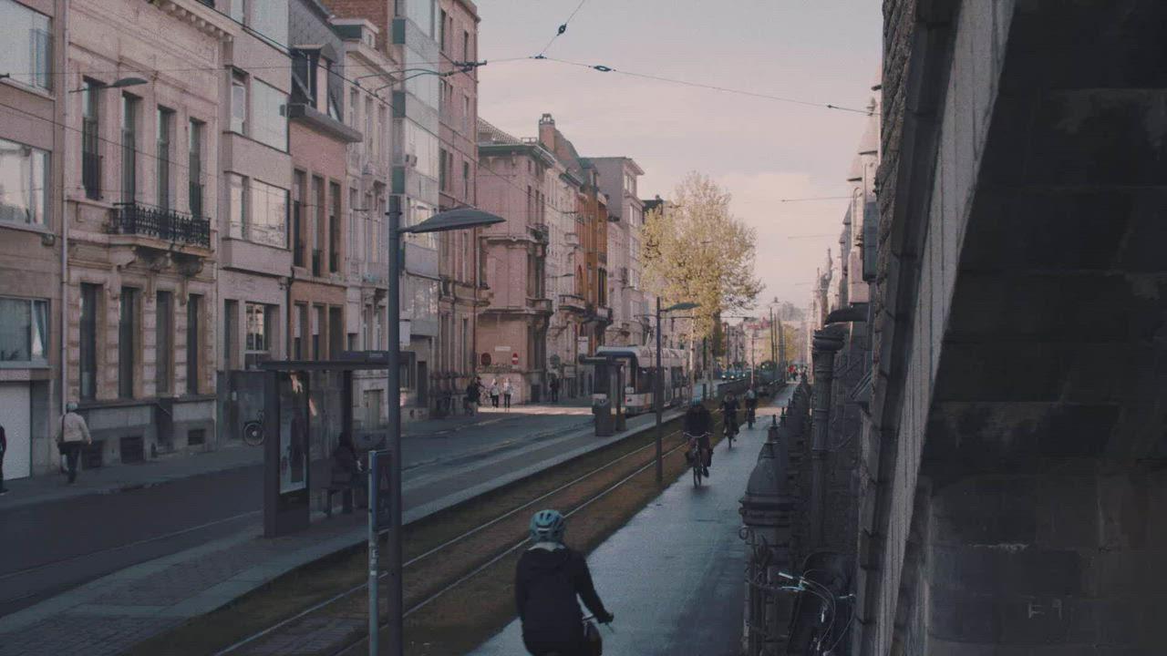 【LAZER】Z1 公路車安全帽 黑/漸層藍 product video thumbnail