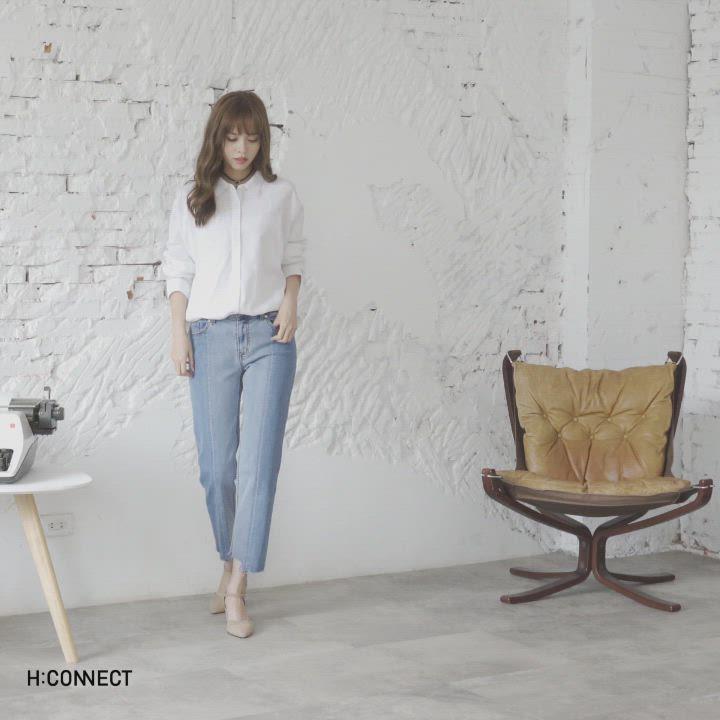 H:CONNECT 韓國品牌 女裝-休閒排扣棉麻襯衫-白 product video thumbnail