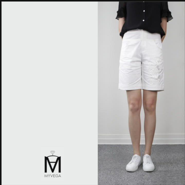 MYVEGA麥雪爾 MA高含棉單邊刺繡蕾絲短褲-白 product video thumbnail
