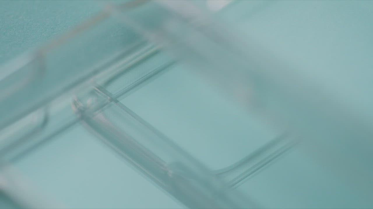 LINKASE AIR iPhone 11 Pro 大猩猩康寧玻璃軍規防摔保護殼-極透明 product video thumbnail